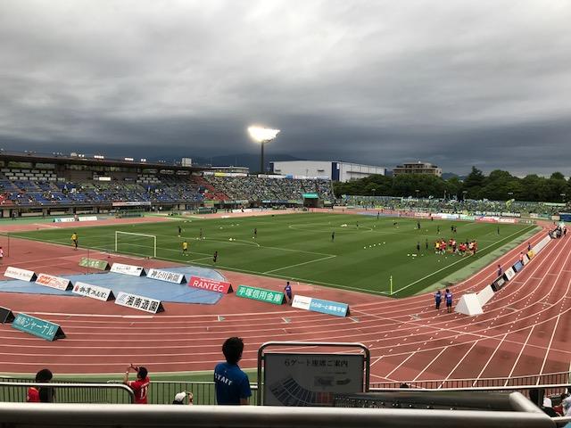 湘南vs.名古屋 間もなくキックオフ